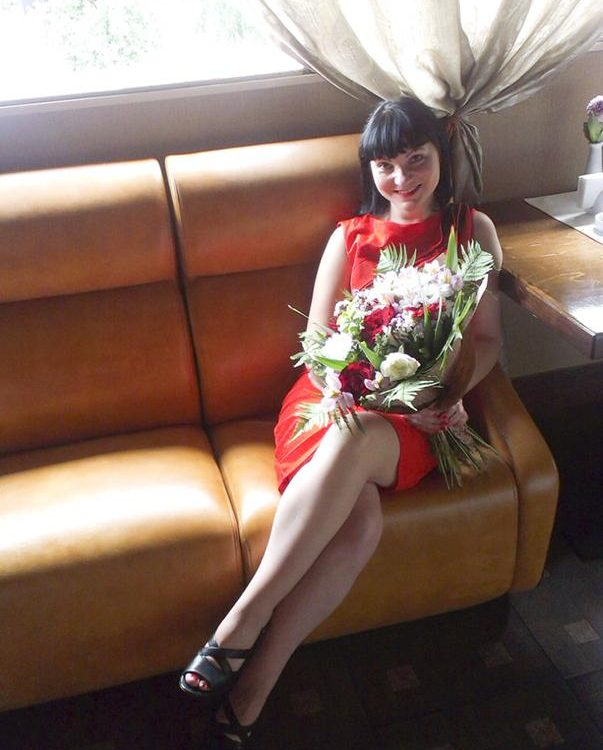 foto of beautiful girl in marriage agency canada